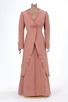 Pink wool traveling suit 1906