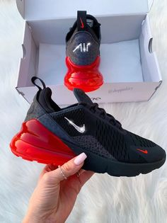 Brand New in Box Authentic Blinged Women's/Girl's Nike Air 270 Running Shoes. Nike Swoosh is customized with fabulous Swarovski Crystal Rhinestones! Bling Nike Shoes, Cute Nike Shoes, Cute Sneakers, Nike Air Shoes, Best Sneakers, Sneakers Fashion, Women's Shoes, Edgy Shoes, Shoes Sneakers