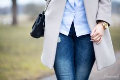 Distressed jeans and babyblue shirt from Lexington
