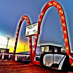 469 Best Str Light Drive Inn Images Drive In Movie Theater