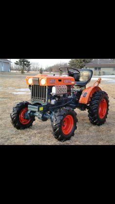 .. Antique Tractors, Vintage Tractors, Antique Cars, Small Tractors, Compact Tractors, Kubota Tractors, Trucks, Motors, Vehicles