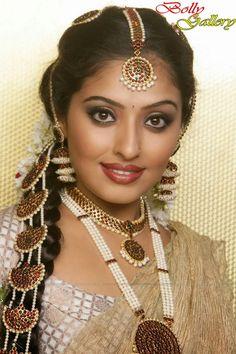 Bollywood Women - Beautiful Bollywood actresses from the past and present Beautiful Bollywood Actress, Most Beautiful Indian Actress, Beautiful Actresses, Hot Actresses, Indian Actresses, Cute Beauty, Beauty Full Girl, India Beauty, Asian Beauty