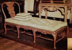 queen anne furniture 1720 -The back design says it's Queen Ann. Also its has carbrible legs. Queen Anne Furniture, Lacquer Furniture, Daybed, Vanity Bench, Couch, Chinoiserie, Chinese, Japanese, Dreams