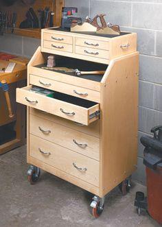 Slant-Front Tool Cart | Woodsmith Plans