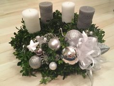 Advetní stříbrný Christmas Wreaths, Christmas Decorations, Table Decorations, Holiday Decor, Rustic, Home Decor, Xmas, Ideas, Christmas Tables