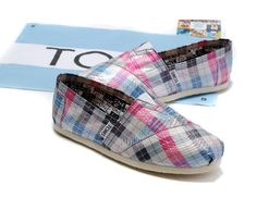 I love TOMS! :)  These are adorable