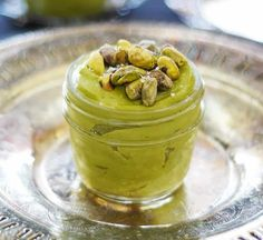Crème pâtissière à la pistache avec thermomix. Je vous propose une recette de crème pâtissière à la pistache, simple et facile à réaliser avec le thermomix.