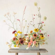 A favourite from this time last year to start the week. Vase Arrangements, Floral Centerpieces, Flower Arrangement, Cut Flower Garden, Flower Art, Ikebana, Floral Bouquets, Floral Wreath, Grand Art