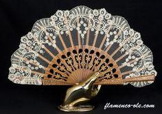 Designer Clothes, Shoes & Bags for Women Antique Fans, Vintage Fans, Hand Held Fan, Hand Fans, Rose Shabby Chic, Vive Le Vent, Chinese Fans, Fan Decoration, Old Fan