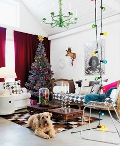 Coloured fairy lights - love the whole room! Real Christmas Tree, Whimsical Christmas, Christmas Room, Christmas Decor, Christmas Vignette, Holiday Decorations, Coloured Fairy Lights, Shake, Indoor Places