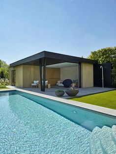 Modern Pool House, Modern Pools, Backyard House, Backyard Greenhouse, Swimming Pools Backyard, Swimming Pool Designs, Pool House Designs, Small Pool Design, Pool Cabana