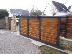 Portail aluminium coulissant remplissage bois