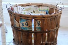 Apple basket for magazines Vintage Decor, Rustic Decor, Vintage Items, Salvaged Decor, Repurposed, Apple Baskets, Savvy Southern Style, Inside The Box, Pretty Room