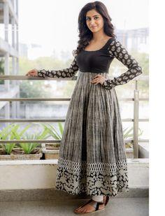 Actress Varshini Sounderajan Wet in Long Dress Kurta Designs Women, Kurti Designs Party Wear, Churidar Designs, Long Dress Design, Dress Neck Designs, Blouse Designs, Long Gown Dress, Saree Dress, Designer Anarkali Dresses