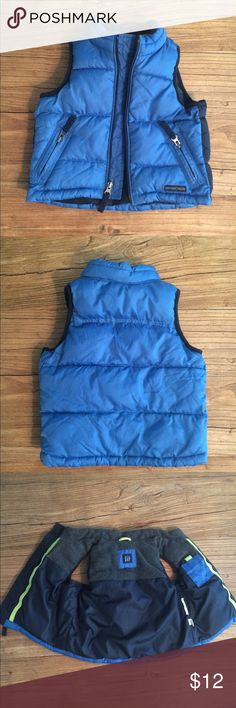 12-18 month Gap vest EUC blue vest.  No holes, zipper works and no stains.  One inside tag has been cut off, it was bothering my son.  Smoke free home. GAP Jackets & Coats Vests