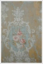 love this vintage wallpaper!!!