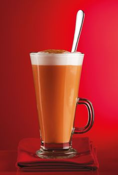 Creamy and calming, our red latte is a delicious caffeine-free alternative to coffee and decaf lattes - made from pure rooibos tea.