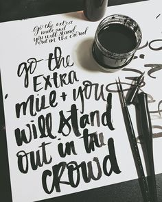 stand out // #handwrittenbycassi #letteritoctober #handlettering #brushlettering #calligraphy #moderncalligraphy #typography #thedailytype #thatsdarling #inspiration #hwbc