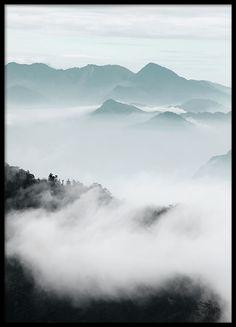 Cloud Mountains, poster i gruppen Posters  / Storlekar / 50x70cm hos Desenio AB (8541)