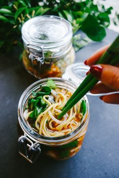 Healthy Lunch Ideas: Noodles in a mason jar