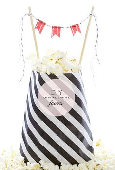 Popcorn bag, perfect for movie night! Buy them at Daintzy in a variety of colors! http://www.etsy.com/shop/daintzy?section_id=12899128