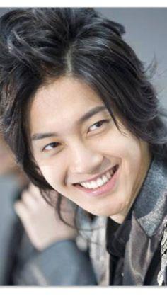 Contagious smile ♡ Kim Hyun Joong 김현중 ♡ adorable ♡ Kpop ♡ Kdrama ♡ long hair ♡
