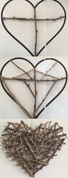 Des bâtons un pistolet à colle et voilà un joli cœur à suspendre dans votre maison.      Encore une idée prise sur Printerest qui était s...