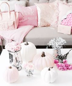 Halloween doesn't have to be scary. Check out these classy halloween decorations and party inspo for your best spooky season ever! Halloween Rose, Classy Halloween, Pretty Halloween, Halloween Party Decor, Halloween Pumpkins, Shabby Chic Halloween Decor, Halloween Ideas, Halloween Mermaid, Thanksgiving Decorations