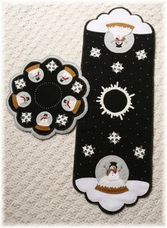 PATTERN~*A Winter World*~Snowman~Table Runner~Candle Mat~Penny Rug *2 in 1!* #OriginalPennyLanePrimitivesPattern