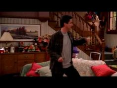 Everybody loves Raymond funny dance
