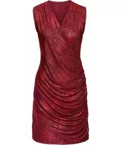 12abc6383740 39 skvělých obrázků z nástěnky kostýmky a šaty