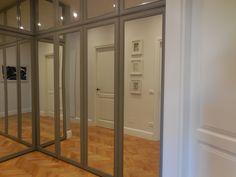 corridor with corner wardrobe_Maria Riemma Architect