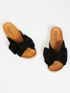 Do The Twist Sandal | Comfortable slip-on sandals featuring a femme over-the-foot bow detail with a suede design.