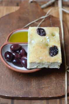#BreakingBread: Kalamata Olives Focaccia via @shuliemadnick - may have to make this for Lisa!