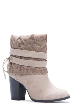 Get in the mood for sweater weather in Deyona. She features a wide sweater detail topped off with wraparound ties and a chunky heel for comfort.