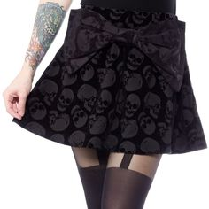 This velvety soft skater style skirt is flowy and features a large fun bow sewn onto the front. Covered in gnarly skulls, it is completed with a side zipper. Perfect to pair with any sweater or tee! Fall Skirts, Skater Skirts, Short Skirts, Bow Skirt, Dress Skirt, Lolita Fashion, Gothic Fashion, Skirt Fashion, Skulls