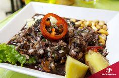 ¡Qué rico! Cevichito de conchas negras. Ceviche, Peruvian Recipes, Cobb Salad, Ethnic Recipes, Lima, Food, Restaurants, Kitchens, Palm Trees