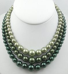 Vintage Green Faux Pearl Necklace - Garden Party Collection Vintage Jewelry