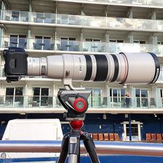 For an epic moon shot, you need an epic rig Canon 5DSR + 200-400mm Photo by @matjoez bts & Setup by @sunstudios Tag someone who needs this  #camera #gear #canon #5dsr #dslr #canoneos #canonlove #lens #photoshooting #photographyislife #teamcanon #awesomeness
