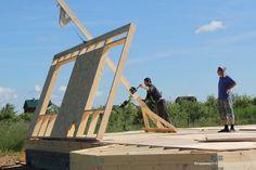 На тему этой небольшой заметки меня натолкнул вопрос, заданный в личке на ФХ : «Строю один, как поднять 5метровую стену при строительстве платформой». Есть два основных способа возведения…