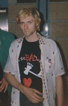 June 1992 (Close up) Kurt Cobain in Sandvika, Norway. Kurt Cobain Photos, Nirvana Kurt Cobain, Kurt Cobain Style, Punk, Kurt And Courtney, Donald Cobain, Estilo Grunge, Smells Like Teen Spirit, Dave Grohl