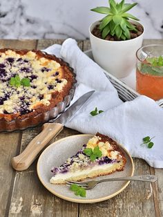 Tvarohový nekynutý koláč s drobenkou Lidl, Quiche, Camembert Cheese, Cake Recipes, Food And Drink, Dairy, Breakfast, Sweet, Therapy