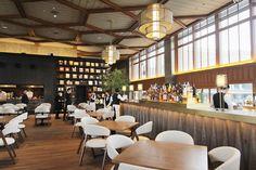 京都モダンテラス Modern Restaurant, Cafe Restaurant, Restaurant Design, Japanese Shop, Japanese Modern, Japanese Style, Santa Lucia, Orange Cafe, Japan Design