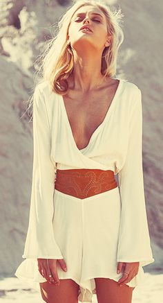 Boho chic tunic with modern hippie leather belt. For the BEST Bohemian fashion trends of 2015 FOLLOW>>> https://www.pinterest.com/happygolicky/the-best-boho-chic-fashion-bohemian-jewelry-gypsy-/ now