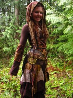 Image uploaded by Kaiya Waler. Find images and videos about dreads, hippy and dreadlocks on We Heart It - the app to get lost in what you love. Larp, Suicide Girls, Halloween Karneval, Wood Nymphs, Fairy Clothes, Boho Style, My Style, Maquillage Halloween, Renaissance Fair