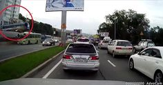 #VIDEO: Accidente de autobus   #AutoBildMexico https://www.youtube.com/watch?v=UUV9BwVg_zU#t=13