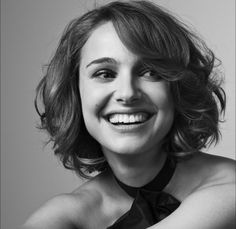 Natalie Portman and I love her hair!