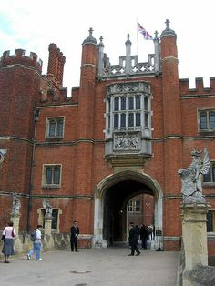 Hampton Court Palace West Front..the facade is in two different styles..1 side is Tudor and the other side is Baroque!!