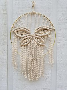 A beautiful butterfly macrame inside a gold hoop. A unique design and easy to hang.Dimensions:Created on a 12 inch natural cotton rope >>>>>>>>>>>>>>>>>>>>>>>>>>>>>>>>>>>>>>>>>>>> Butterfly Wall Art / Spring Decor / Macrame Wall Hanging / Nursery Decor / Macrame Design, Macrame Art, Macrame Projects, Macrame Knots, Art Mural Papillon, Modern Macrame, Butterfly Wall Art, Butterfly Design, Deco Boheme