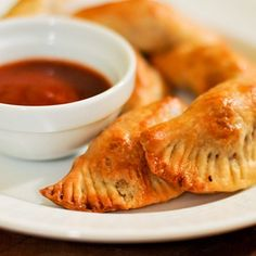 Barbecue: Mini Pulled Pork Empanadas.....   http://seriouseats.ziplist.com/recipes/641442-Barbecue_Mini_Pulled_Pork_Empanadas?utm_source=Silverpop_medium=email_campaign=Weekly%20Recommendations%206-16-13%20(1)=5524996=MzM2NDY0MTIyODQS1=322673029=MzIyNjczMDI5S0